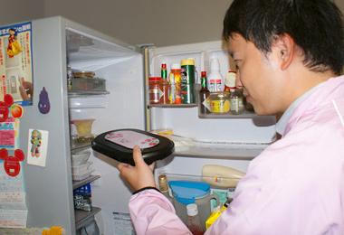 冷蔵庫の中へ